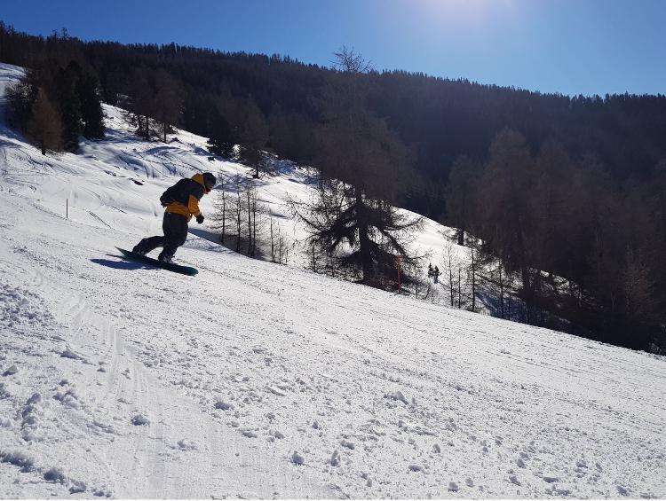 Nax Snowboarder
