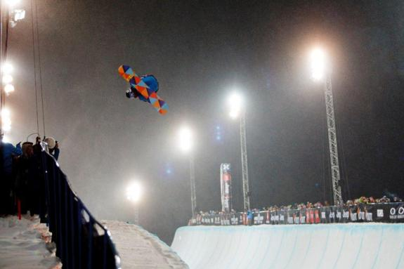 Kelly Clark wins womens 2011 X Games Europe SuperPipe