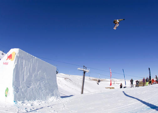 High Fives Mikkel Bang takes slopestyle 1st place