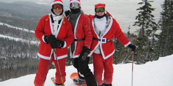 Santa can board for free at Le Massif