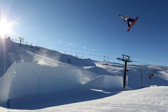 Torgeir Bergrem wins the 2011 Winter Games NZ Mens Snowboard Slopestyle