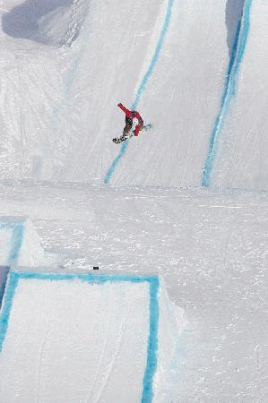 Jenny Jones Qualifies for the BE0_08 finals in the slopestyle