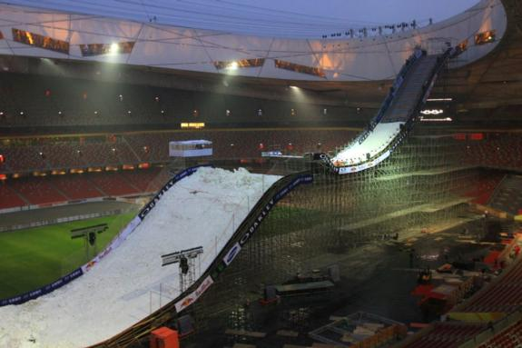 Construction of the 2011 Beijing Air & Style ramp