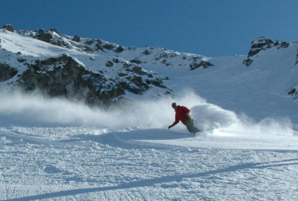 Best Snowboarding Resorts In The World World Snowboard Guide - The top 10 destinations for your snowboarding vacation