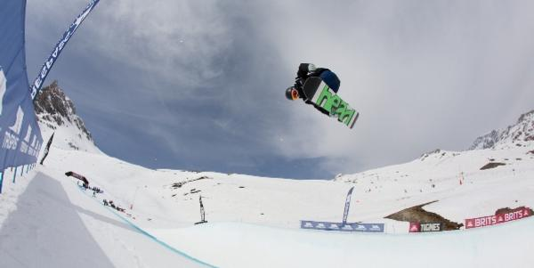 COURTIER-JONES AND THIDLING 1ST IN BRITS HALFPIPE!