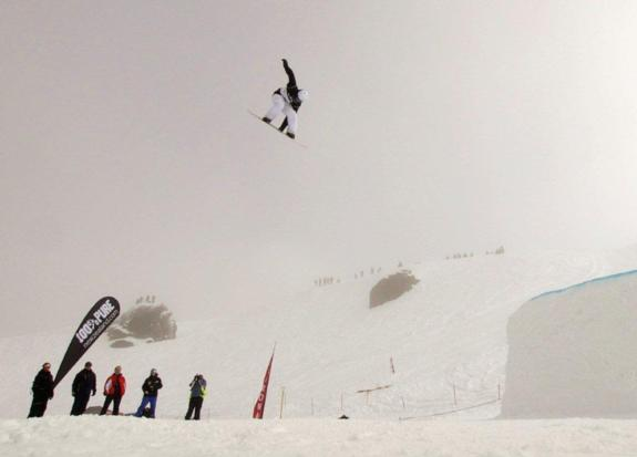 Peetu Piiroinen wins the 2010 Big Air at the Junior World Champs