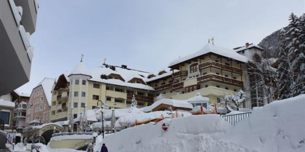 ISCHGL, AUSTRIA IS CUT OFF BY MASSIVE SNOWFALLS