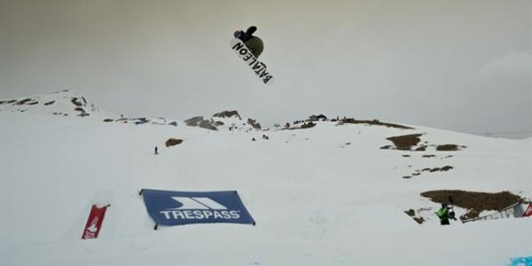 TRINDER & SILKSTONE TAKE FIRST AT BRITS SLOPESTYLE