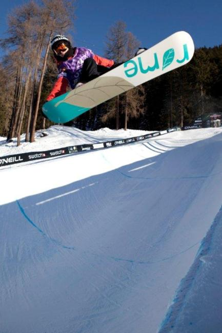 Womens halfpipe qualification, rider: Helen Nadig