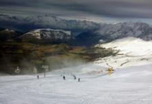 Coronet Peak first ski area to open in Australasia