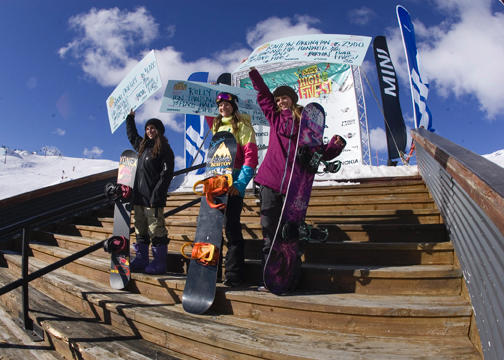 Women's Podium Half Pipe, Burton High Fives.