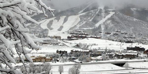 Heavy snow hits the Alps and US