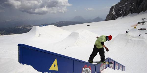 Dachstein Burton Superpark is open