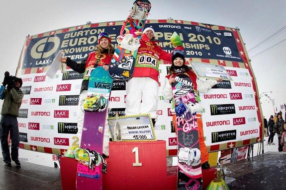 BEO womens halfpipe finals, winners podium