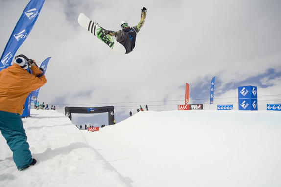 Dan Wakeham competing in the  Brits 2010 halfpipe