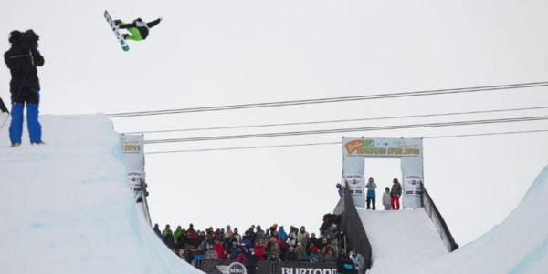 Mens halfpipe and womens slopestyle semis at BEO