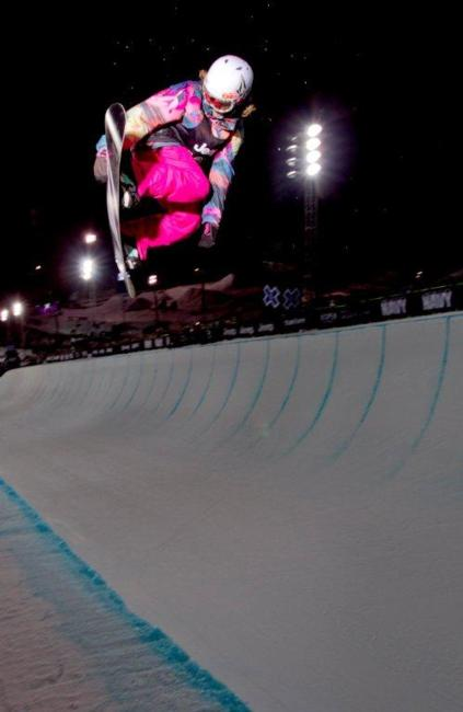 Elena Hight wins Bronze at Womens Snowboard SuperPipe at Winter X Games 15