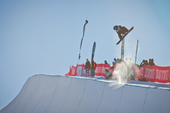 Burton NZ 2011 open halfpipe runner up Louie Vito