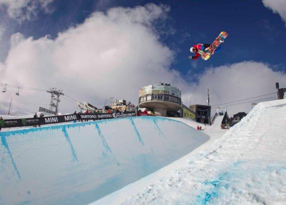 Ben kilner in the halfpipe qualifcation at the 2011 BEO