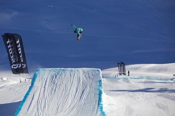 Engadinsnow 2011 woments slopestyle rider Isabel Derungs