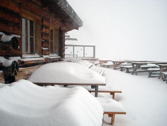 Fresh snow at Lenzerheide outside Alp Statz restaurant 1/Apr/10
